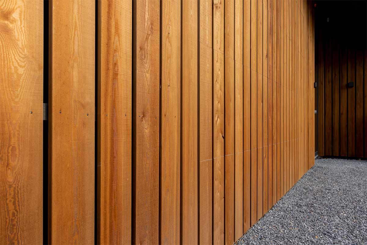 houten garagedeur gelijk met de gevel (12)