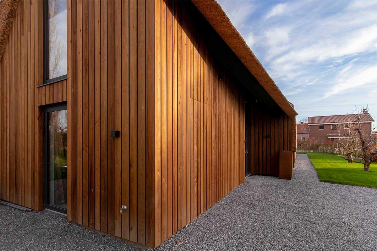houten garagedeur gelijk met de gevel (16)