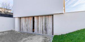 houten zijwaartse garagedeur barnwood