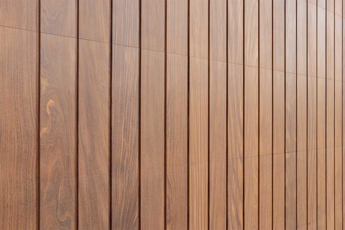 houten verticale garagedeur afrormosia (6)