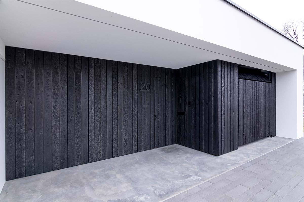 shou-sugi-ban-garagedeur (4)