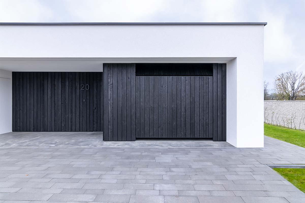 shou sugi ban garagedeur