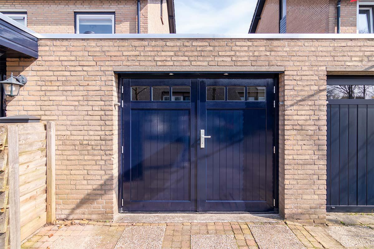houten-openslaande-garagedeur (1)