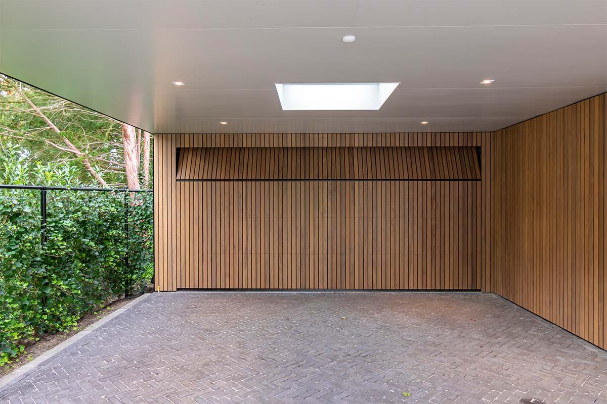 frake houten garagedeur en voordeur (5)