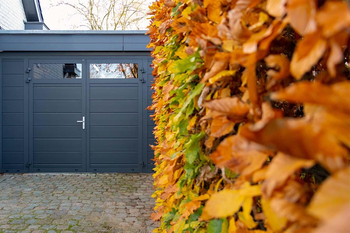 vast zijstuk bij openslaande garagedeur (6)