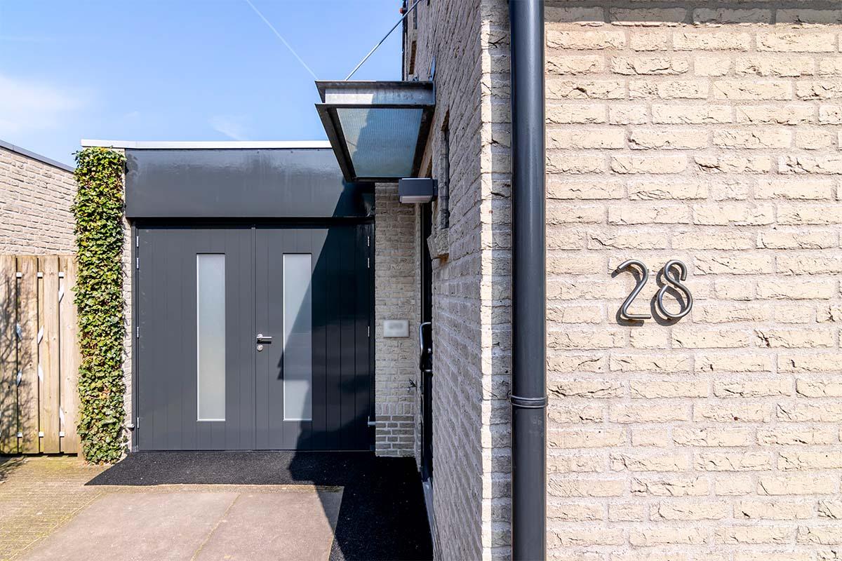 houten-openslaande-garagedeur-melkglas (1)