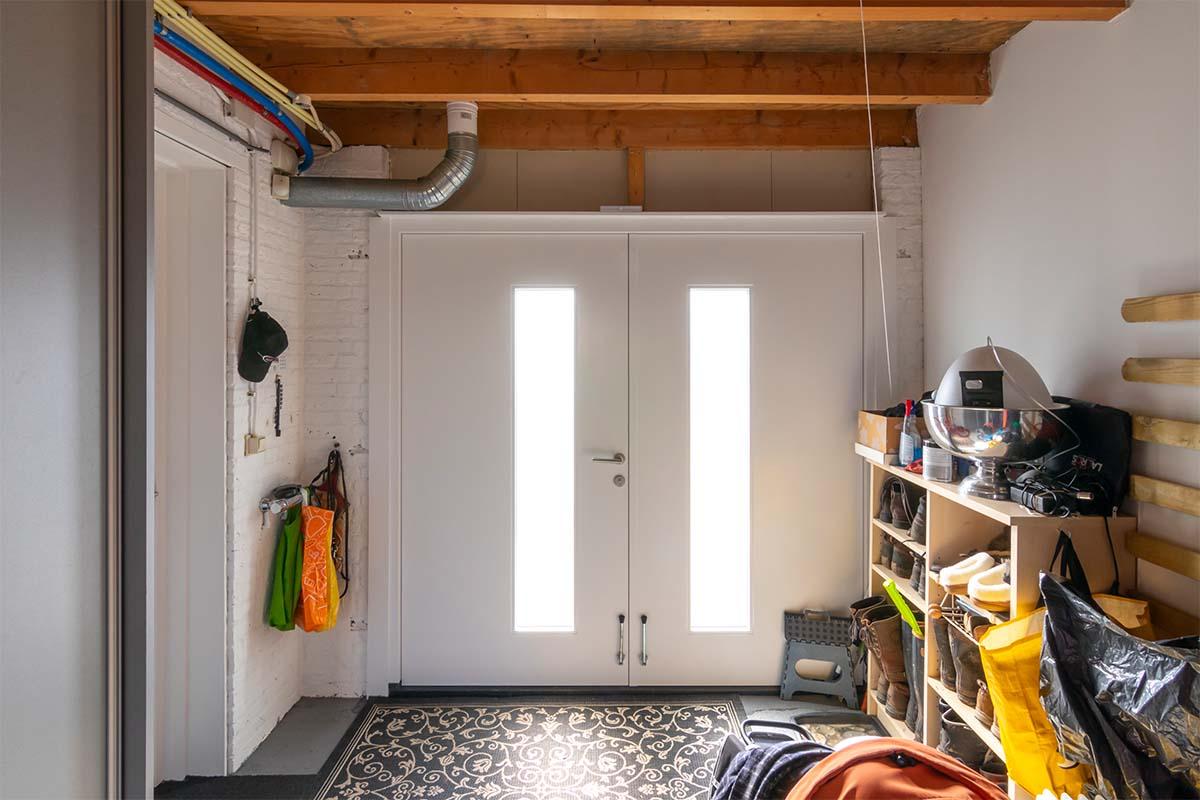 houten-openslaande-garagedeur-melkglas (5)