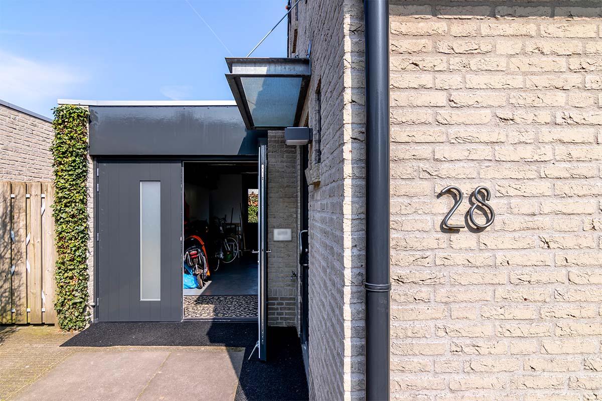 houten-openslaande-garagedeur-melkglas (6)