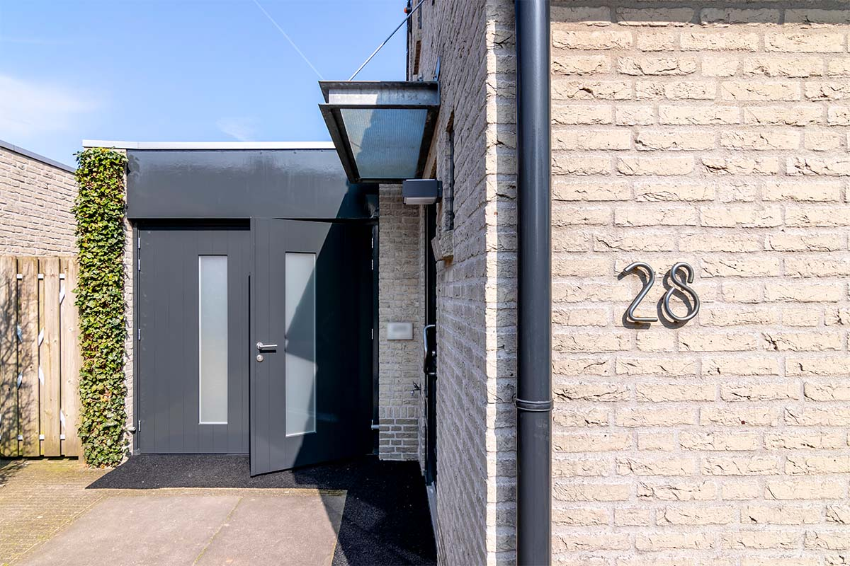 houten-openslaande-garagedeur-melkglas (8)