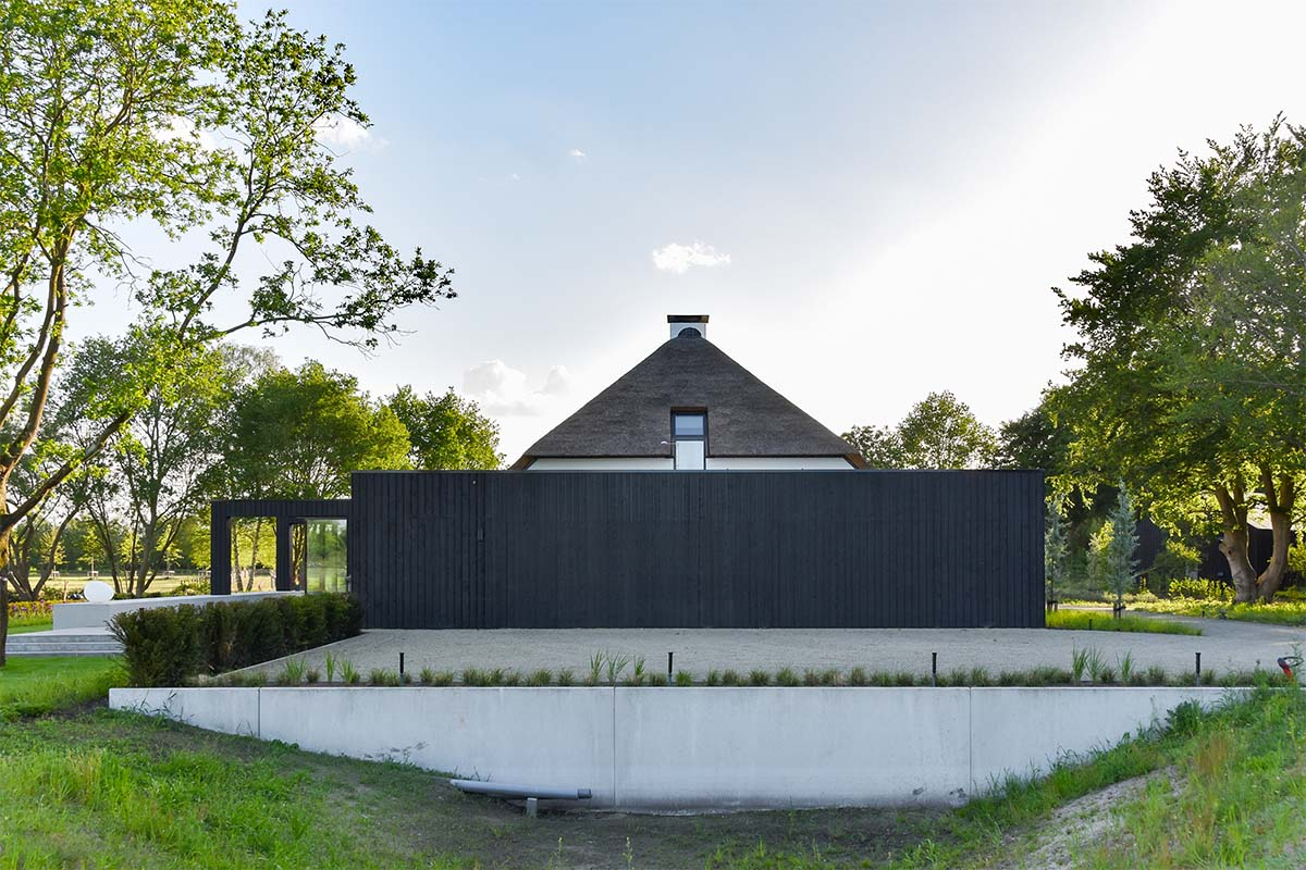 houten garagedeur automatisch zwart (2)