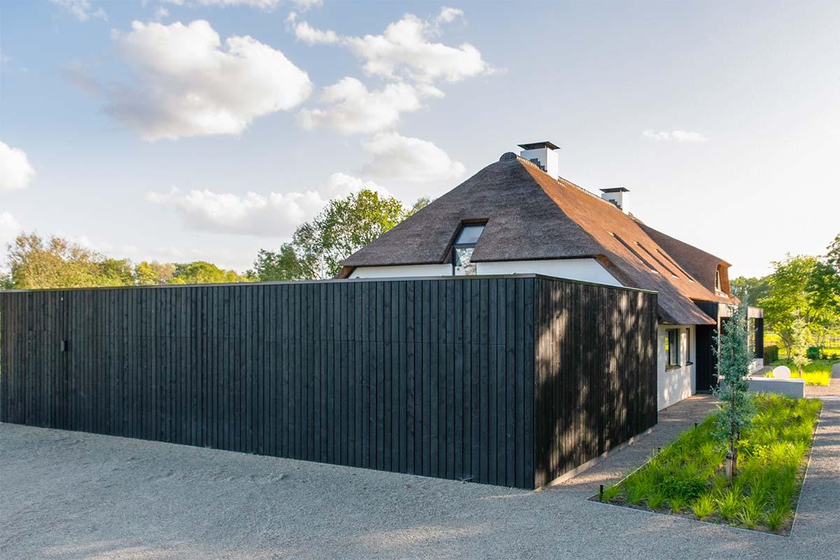 houten garagedeur automatisch zwart (3)
