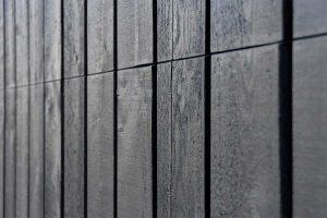 zwarte houten garagedeur (4)