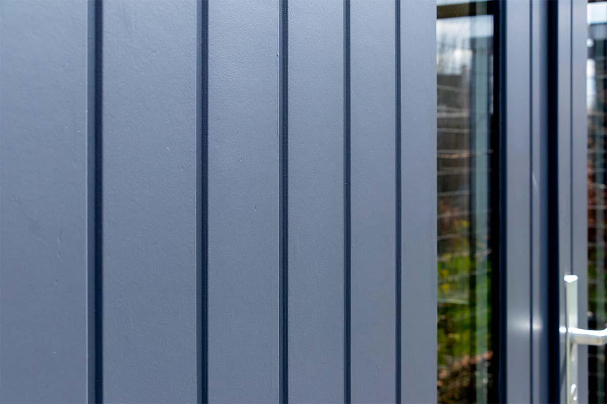 verticale-houten-openslaande-garagedeur (2)