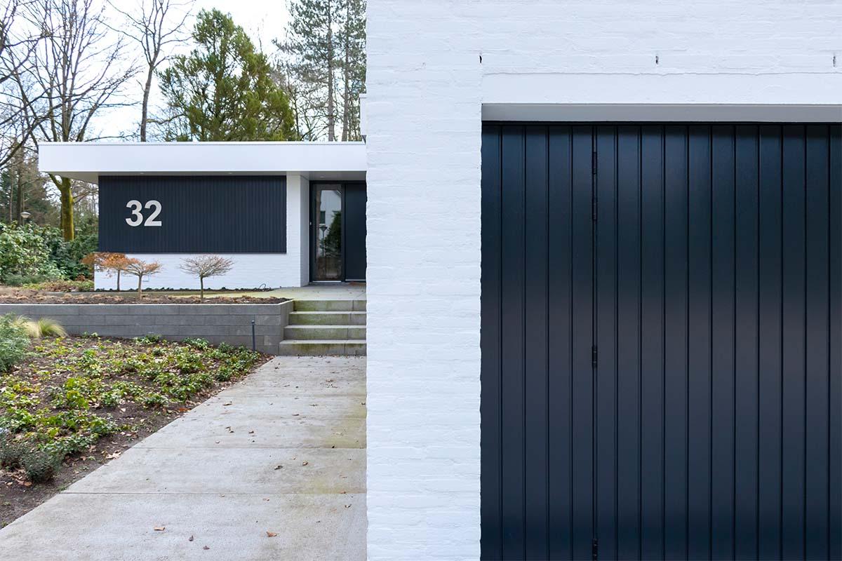 openslaande garagedeuren van hout (2)