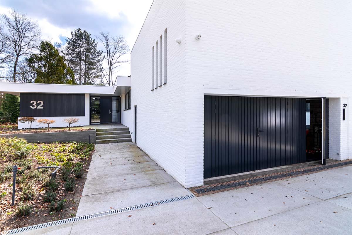 openslaande garagedeuren van hout (3)