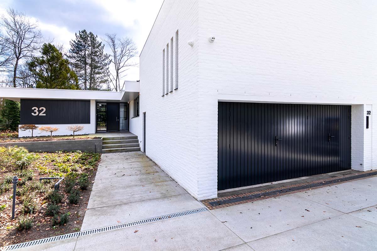 openslaande garagedeuren van hout (4)