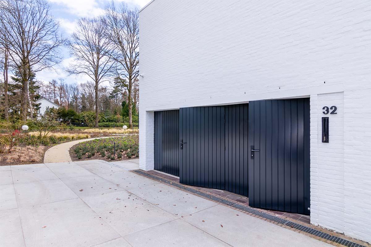 openslaande garagedeuren van hout (5)