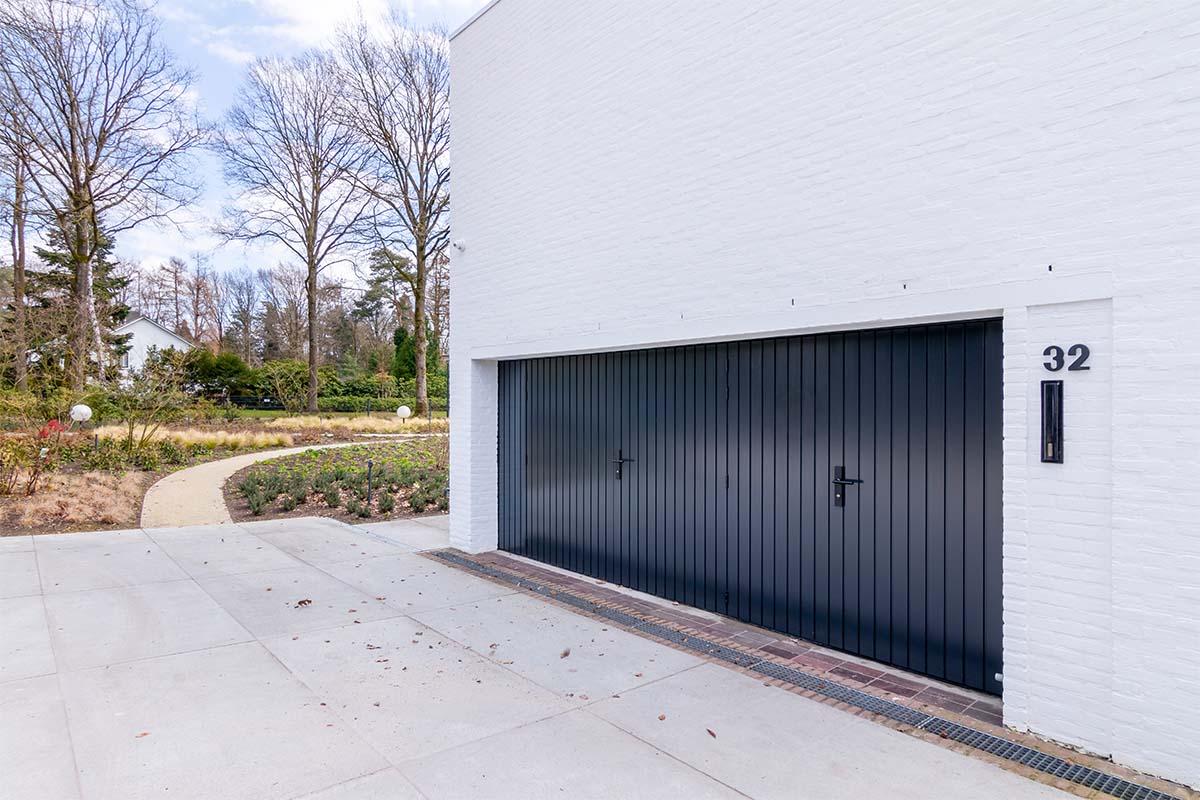 openslaande garagedeuren van hout (6)
