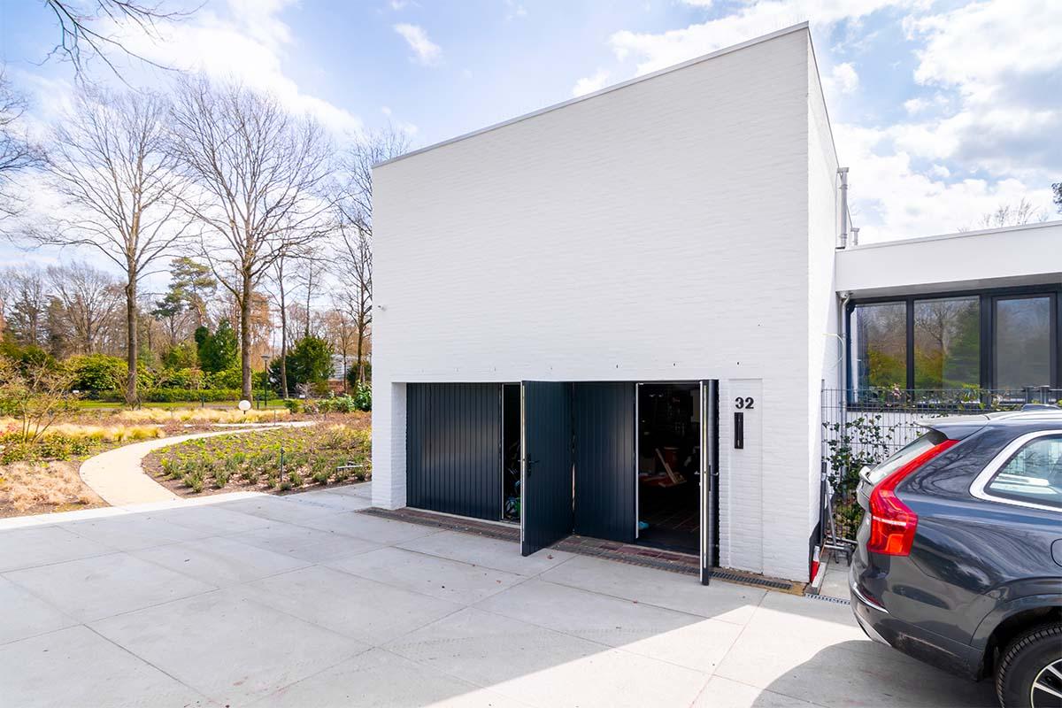 openslaande garagedeuren van hout (11)