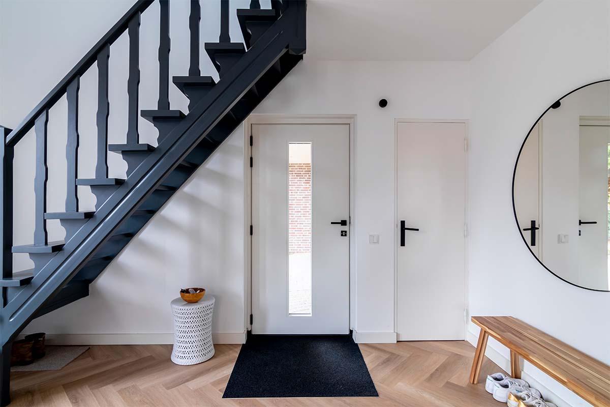 binnenzijde houten voordeur (2)