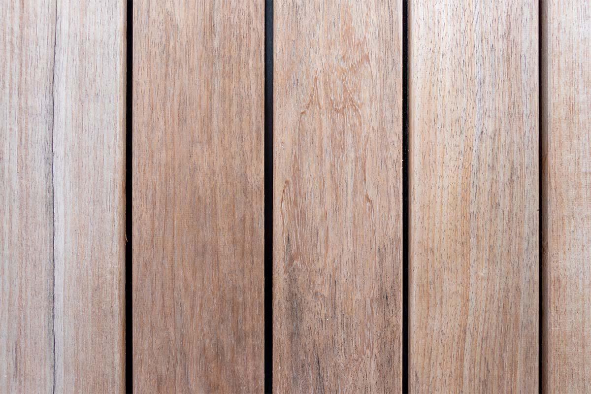 houten-sectionaaldeur-bij-strakke-villa (8)