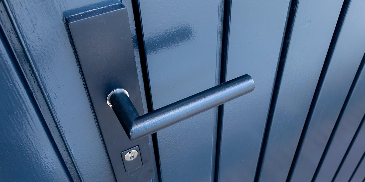 openslaande-garagedeuren-van-hout-(12)