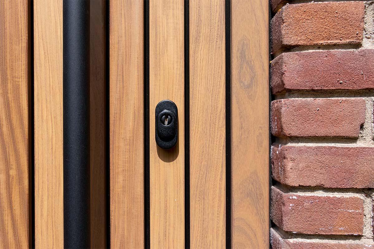 houten loopdeur zwart beslag (2)