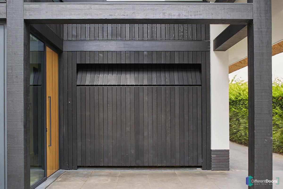 houten-garagedeur-Different-Doors