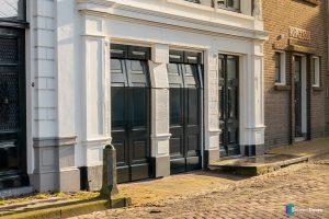 houten-garagedeur-Different-Doors-monumentaal