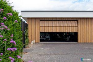 houten-garagedeur-Different-Doors-verticaal