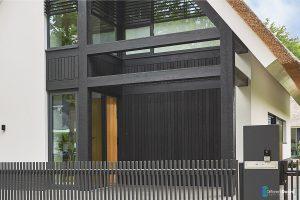 garagedeur-bij-modern-landelijke-villa