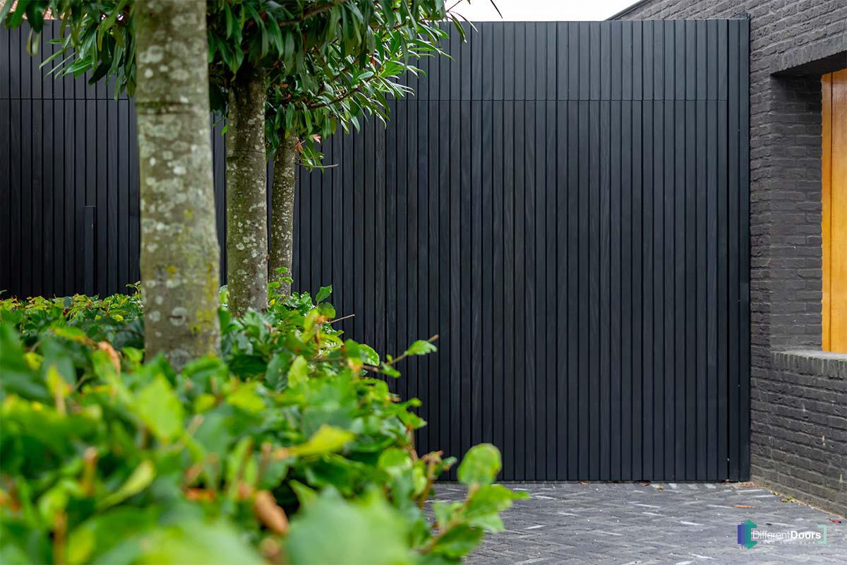 zwarte garagedeur (2)