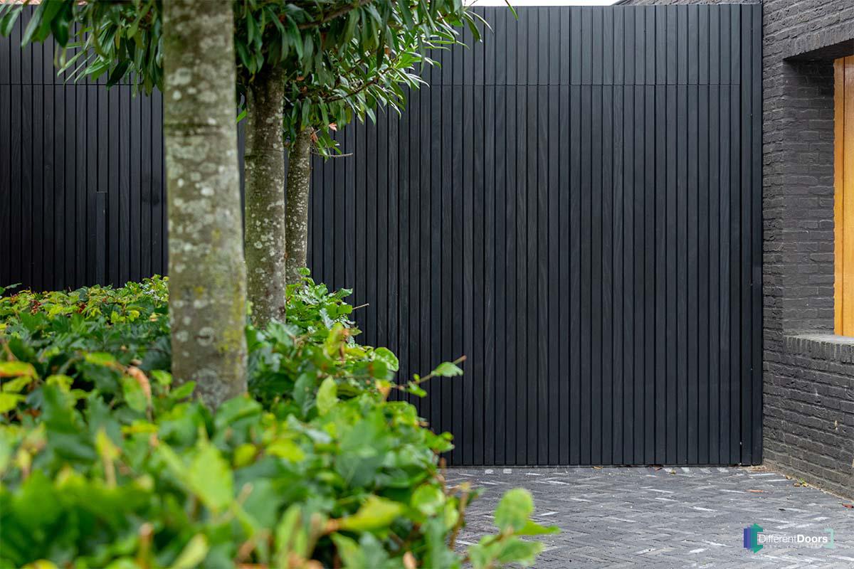 zwarte garagedeur (3)